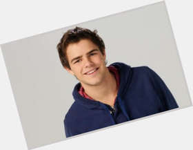 "<a href=""/hot-men/juan-pedro-lanzani/is-he-tall"">Juan Pedro Lanzani</a> Athletic body,  dark brown hair & hairstyles"