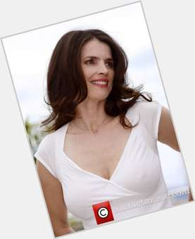 "<a href=""/hot-women/julia-ormond/is-she-french-deaf-married-british-smoker-fluent"">Julia Ormond</a> Average body,  light brown hair & hairstyles"