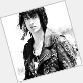 "<a href=""/hot-men/julian-casablancas/is-he-douche-good-singer-hispanic-religious-married"">Julian Casablancas</a> Slim body,  dark brown hair & hairstyles"
