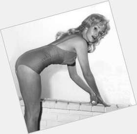 "<a href=""/hot-women/karen-steele/is-she-still-alive"">Karen Steele</a> Average body,  blonde hair & hairstyles"