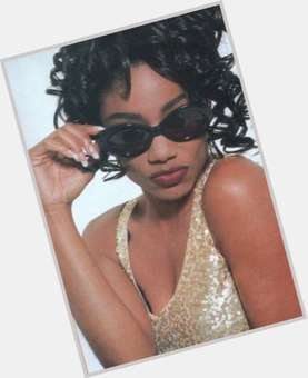 "<a href=""/hot-women/karyn-white/is-she-still-married-bobby-g-alive-whites"">Karyn White</a> Slim body,  dark brown hair & hairstyles"