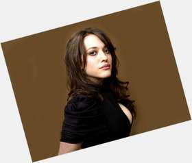 "<a href=""/hot-women/kat-dennings/is-she-thor-2-married-hot-breast-real"">Kat Dennings</a> Voluptuous body,  dark brown hair & hairstyles"