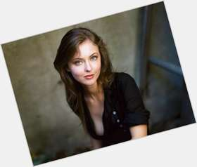 "<a href=""/hot-women/katharine-isabelle/is-she-married-tall"">Katharine Isabelle</a> Average body,  light brown hair & hairstyles"