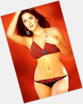"<a href=""/hot-women/katrina-kaif/is-she-indian-pretty-hindu-good-actress-still"">Katrina Kaif</a> Average body,  dark brown hair & hairstyles"