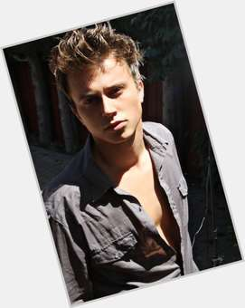 "<a href=""/hot-men/kenny-wormald/is-he-married-single-british-dating-julianne-hough"">Kenny Wormald</a> Average body,  light brown hair & hairstyles"