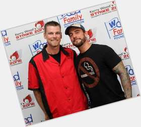 "<a href=""/hot-men/kerry-wood/is-he-related-travis-hall-famer-still-cubs"">Kerry Wood</a> Athletic body,"