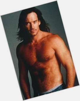 "<a href=""/hot-men/kevin-sorbo/is-he-christian-married-mormon-lds-born-again"">Kevin Sorbo</a> Athletic body,  light brown hair & hairstyles"