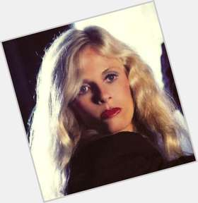 "<a href=""/hot-women/kim-carnes/is-she-still-alive-married-blind-where-now"">Kim Carnes</a> Average body,  salt and pepper hair & hairstyles"