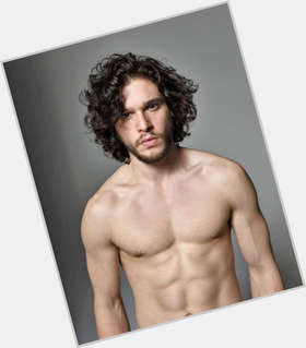 "<a href=""/hot-men/kit-harington/is-he-dating-and-emilia-clarke-married-single"">Kit Harington</a> Athletic body,  dark brown hair & hairstyles"