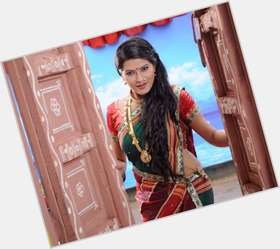 "<a href=""/hot-women/kratika-sengar/is-she-married-real-life-single-facebook-bengali"">Kratika Sengar</a> Slim body,  dark brown hair & hairstyles"
