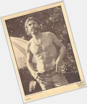 "<a href=""/hot-men/kris-kristofferson/is-he-still-married-sober-christian-lisa-meyers"">Kris Kristofferson</a> Average body,  salt and pepper hair & hairstyles"