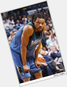 "<a href=""/hot-men/latrell-sprewell/is-he-broke-hall-famer-married-nba-2k13"">Latrell Sprewell</a> Athletic body,  dark brown hair & hairstyles"