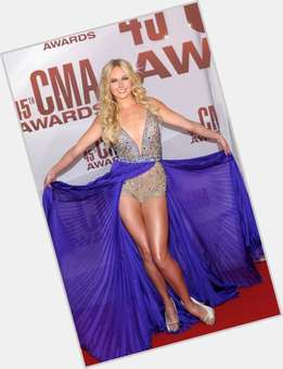 "<a href=""/hot-women/laura-bell-bundy/is-she-married-single-anger-management-or-hart"">Laura Bell Bundy</a> Slim body,  blonde hair & hairstyles"