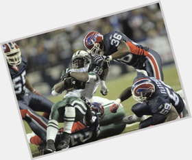 "<a href=""/hot-men/lawyer-milloy/is-he-married-retire-still-playing-football-where"">Lawyer Milloy</a> Bodybuilder body,  black hair & hairstyles"