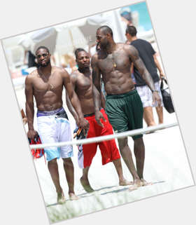 "<a href=""/hot-men/lebron-james/is-he-married-overrated-bald-injured-hurt-christian"">Lebron James</a> Athletic body,  black hair & hairstyles"