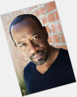 "<a href=""/hot-men/lennie-james/is-he-walking-returning-married-british-tall-much"">Lennie James</a> Average body,  black hair & hairstyles"