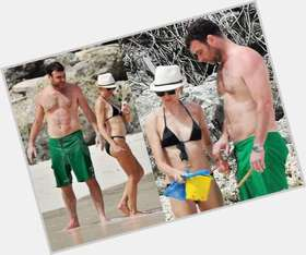 "<a href=""/hot-men/liev-schreiber/is-he-married-butler-hot-good-looking-clear"">Liev Schreiber</a> Average body,  dark brown hair & hairstyles"