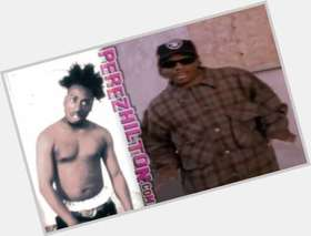 "<a href=""/hot-men/eazy-e/is-he-good-rapper-overrated-crip-really-or"">Eazy E</a> Slim body,  black hair & hairstyles"