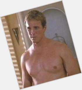 "<a href=""/hot-men/linden-ashby/is-he-married-dating-much-worth"">Linden Ashby</a> Athletic body,  light brown hair & hairstyles"