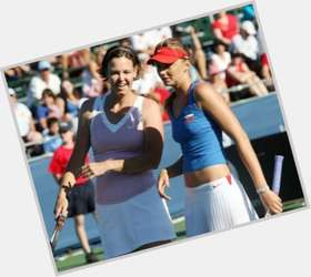 "<a href=""/hot-women/lindsay-davenport/is-she-married-pregnant-divorce-still-what-doing"">Lindsay Davenport</a> Athletic body,  light brown hair & hairstyles"