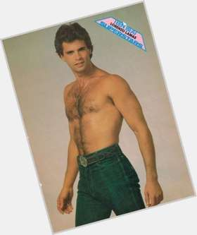 "<a href=""/hot-men/lorenzo-lamas/is-he-grease-broke-sick-still-married-spanish"">Lorenzo Lamas</a> Bodybuilder body,  dark brown hair & hairstyles"