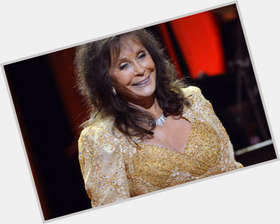 "<a href=""/hot-women/loretta-lynn/is-she-still-living-married-sick-alive-performing"">Loretta Lynn</a> Slim body,  dark brown hair & hairstyles"