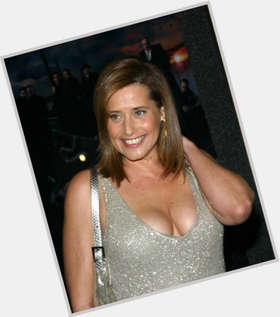 "<a href=""/hot-women/lorraine-bracco/is-she-married-republican-blow-dating-husband-what"">Lorraine Bracco</a> Average body,  dark brown hair & hairstyles"