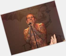 "<a href=""/hot-men/m-shadows/is-he-married-father-divorced-good-singer-still"">M Shadows</a> Athletic body,  dark brown hair & hairstyles"