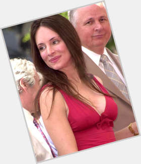 "<a href=""/hot-women/madeleine-stowe/is-she-married-season-2-revenge-returning-still"">Madeleine Stowe</a> Slim body,  dark brown hair & hairstyles"