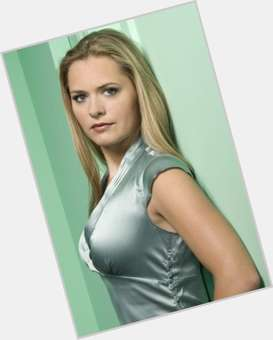 "<a href=""/hot-women/maggie-lawson/is-she-leaving-psych-still-engaged-going-be"">Maggie Lawson</a> Average body,  blonde hair & hairstyles"