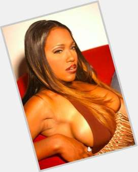 "<a href=""/hot-women/maia-campbell/is-she-pregnant-drugs-and-naomi-related-still"">Maia Campbell</a> Average body,  black hair & hairstyles"