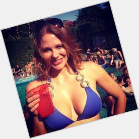 "<a href=""/hot-women/maitland-ward/is-she-where-now-tall"">Maitland Ward</a> Slim body,  dyed red hair & hairstyles"