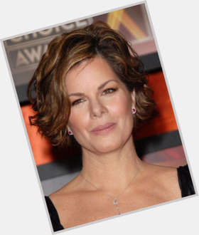 "<a href=""/hot-women/marcia-gay-harden/is-she-married-hot-republican-hardens-husband-dating"">Marcia Gay Harden</a> Slim body,  dark brown hair & hairstyles"