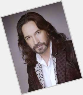 "<a href=""/hot-men/marco-antonio-solis/is-he-married-related-javier-wife-when-schedule"">Marco Antonio Solis</a> Average body,  dark brown hair & hairstyles"