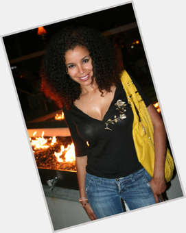 "<a href=""/hot-women/mari-morrow/is-she-married-mixed-biracial-where-dating-actress"">Mari Morrow</a> Slim body,  dark brown hair & hairstyles"
