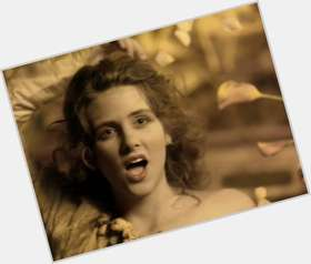 "<a href=""/hot-women/maria-mckee/is-she-married-died-what-doing-now-tall"">Maria Mckee</a>"