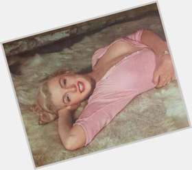 Marilyn Monroe dyed blonde hair & hairstyles Voluptuous body,