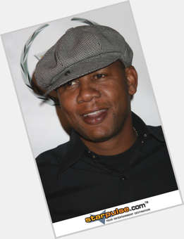 "<a href=""/hot-men/mark-curry/is-he-ill-funny-married-sick-where-now"">Mark Curry</a> Average body,  black hair & hairstyles"