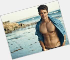"<a href=""/hot-men/matthew-morrison/is-he-married-leaving-glee-related-jennifer-john"">Matthew Morrison</a> Athletic body,  light brown hair & hairstyles"