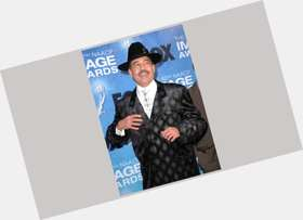 "<a href=""/hot-men/maurice-white/is-he-alive-married-still-sick-ewf-and"">Maurice White</a> Slim body,  black hair & hairstyles"