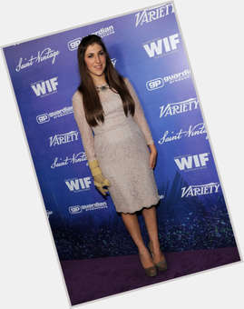 "<a href=""/hot-women/mayim-bialik/is-she-pregnant-scientologist-related-eden-sher-divorce"">Mayim Bialik</a> Average body,  dark brown hair & hairstyles"