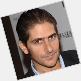 "<a href=""/hot-men/michael-imperioli/is-he-married-hot-couples-retreat-buddhist-sicilian"">Michael Imperioli</a> Average body,  dark brown hair & hairstyles"
