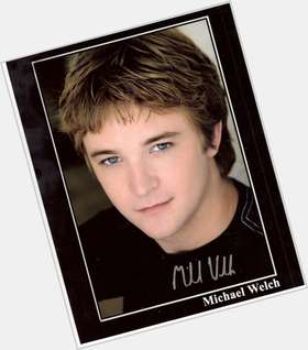 "<a href=""/hot-men/michael-welch/is-he-christian-married-related-matthew-perry-single"">Michael Welch</a> Slim body,  dark brown hair & hairstyles"