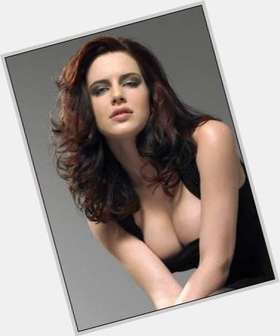 "<a href=""/hot-women/michelle-ryan/is-she-married-covert-affairs-single-coming-back"">Michelle Ryan</a> Average body,  dark brown hair & hairstyles"