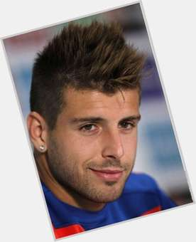 "<a href=""/hot-men/miguel-veloso/is-he-married-good-fifa-13-what-hairstyle"">Miguel Veloso</a> Athletic body,  dyed blonde hair & hairstyles"