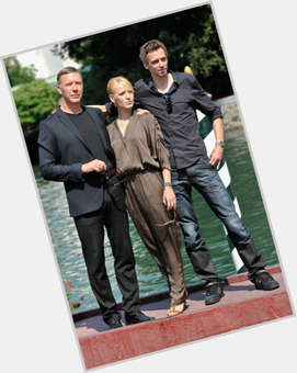 "<a href=""/hot-men/mikael-persbrandt/is-he-married-hobbit-tall"">Mikael Persbrandt</a> Average body,  dark brown hair & hairstyles"