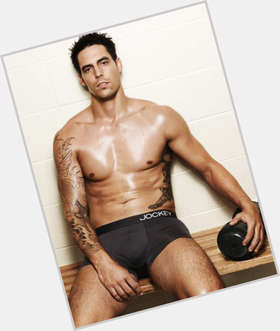 "<a href=""/hot-men/mitchell-johnson/is-he-aboriginal-bowling-action-legal-married-injured"">Mitchell Johnson</a> Athletic body,  dark brown hair & hairstyles"