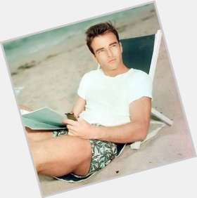 "<a href=""/hot-men/montgomery-clift/is-he-still-alive-where-buried-clifts-grave"">Montgomery Clift</a> Slim body,  dark brown hair & hairstyles"