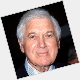 "<a href=""/hot-men/monty-hall/is-he-or-alive-problem-true-halls-married"">Monty Hall</a> Average body,  grey hair & hairstyles"
