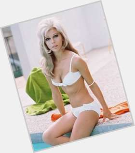 "<a href=""/hot-women/nancy-sinatra/is-she-sr-still-alive-frank-daughter-living"">Nancy Sinatra</a> Average body,  blonde hair & hairstyles"